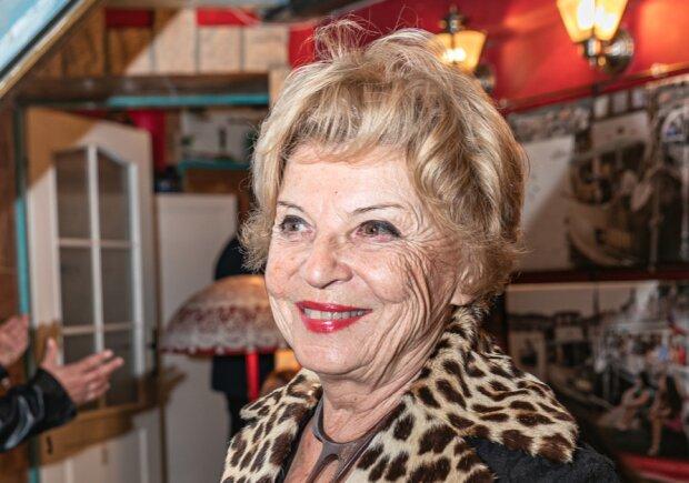 """""""Už jenom chodit do divadla a stýkat se s lidmi pro mě mnoho znamená"""": Libuše Švormová promluvila o konci kariéry"""