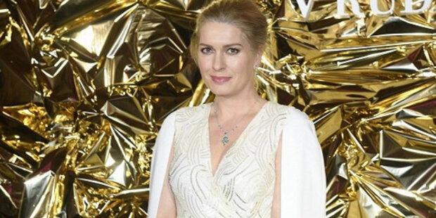 České celebrity, které tajily těhotenství a narození dítěte