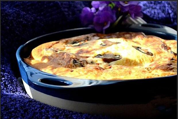 """""""Zatímco koláč se peče, vůně se line po celém domě"""": Lahodný a jednoduchý koláč s houbami a sýrem"""