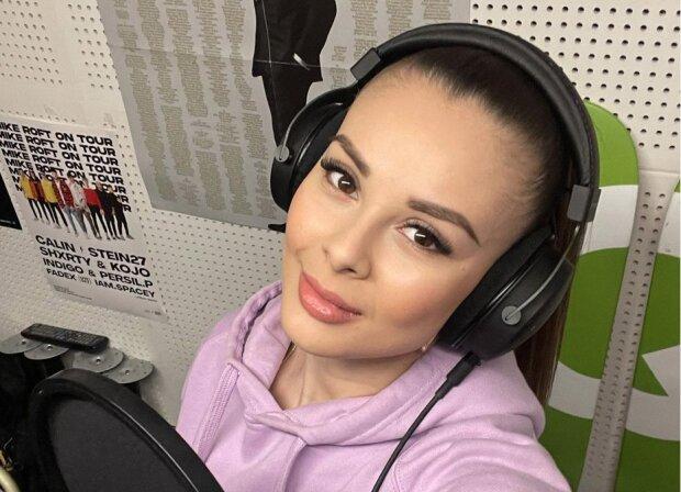 """""""Dělám jen to, co opravdu chci"""": Monika Bagárová po narození Ruminky si práci pečlivě vybírá. Debata o využití profesionální hlídačky"""