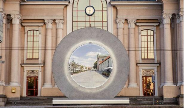 """První na světě """"Hvězdná brána"""": ve Vilniusu řekli, kam vede portál instalovaný v hlavním městě Litvy"""