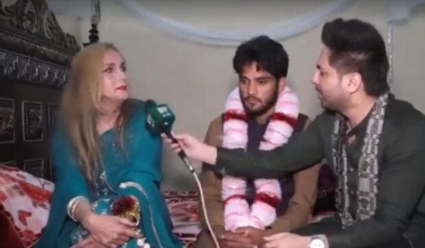 """""""Její manžel ji do toho nenutil"""": Česká učitelka, která se provdala za Pákistánce, mu posílá peníze"""
