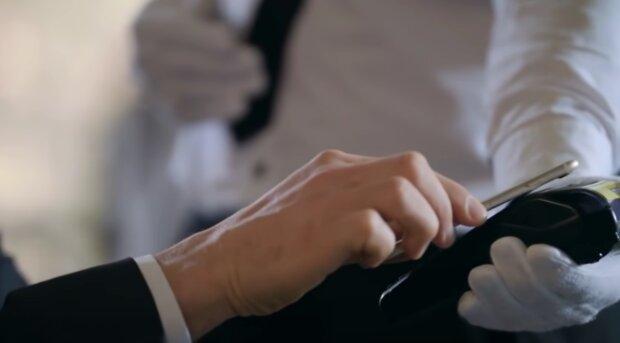 Restaurace. Foto: snímek obrazovky YouTube