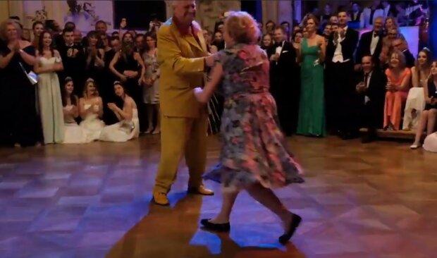 """""""Znovu se poznali a zamilovali se do sebe"""": zamilovaní se po 70 letech sešli a vzali se"""