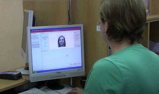 Občanka. Foto: snímek obrazovky YouTube
