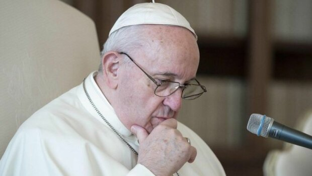 Papež František lajknul fotku brazilské modelky: Bylo zahájeno vyšetřování