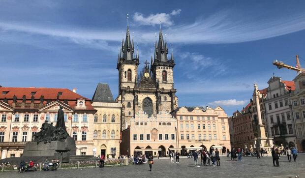 Kdy v Česku začne letní počasí: meteorologové sdíleli novou předpověď