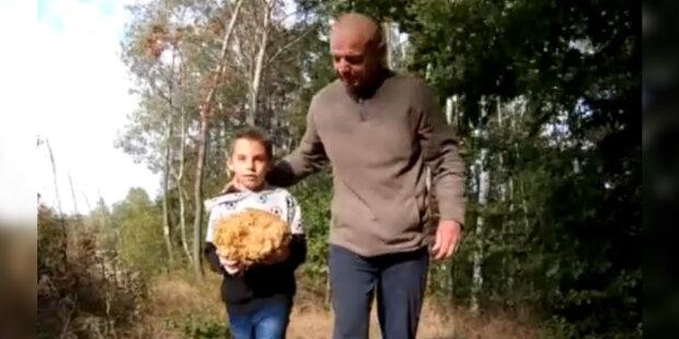 Houbařská sezona v Česku pokračuje: česká rodina našla houbu o hmotnosti 2 kg