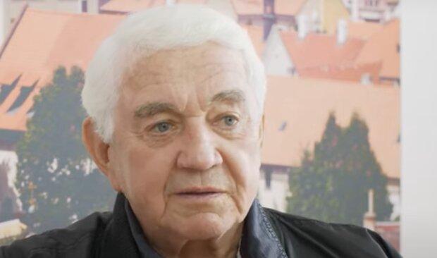 """""""Má tam u sebe svou maminku a tatínka"""": Jiří Krampol urnu s manželkou už nemá u sebe. Řekl, co s ní udělal"""