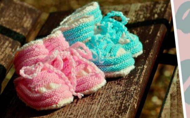 """""""Vůbec ne dvě kapky vody"""": Žena porodila dvojčata, která si nejsou podobná"""