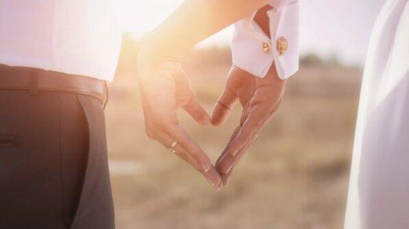 Jak se žena náhodou dostala na svatbu svého manžela a jeho milenky