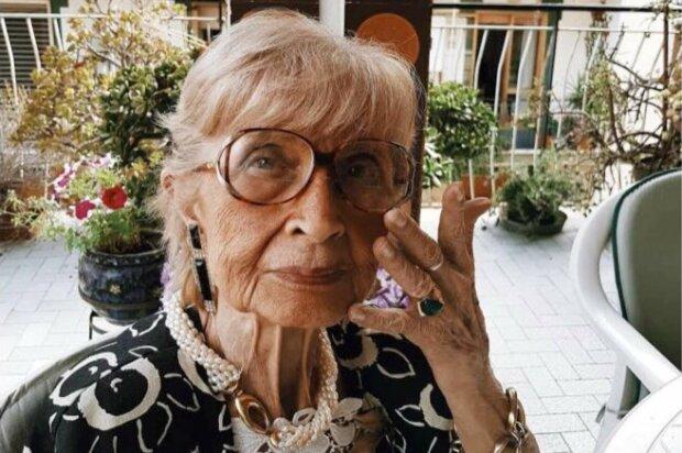Stáří v Italsku: student fotografuje na ulici ženy starší 60 let, což dokazuje, že krása nezávisí na věku