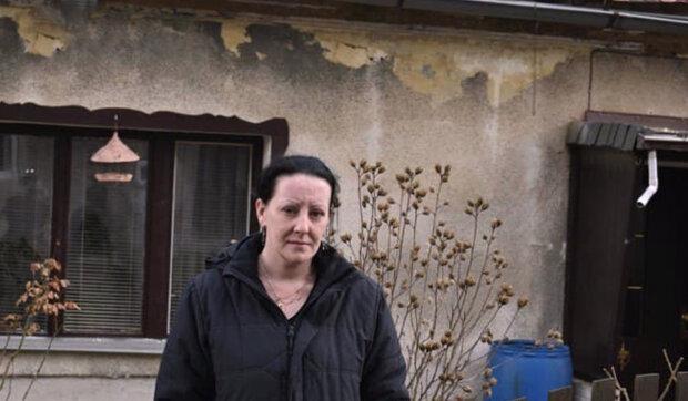 Virus vzal manžela: Zbylo prázdné místo v srdci, tři děti a starý dům. Peníze na opravu domu nejsou