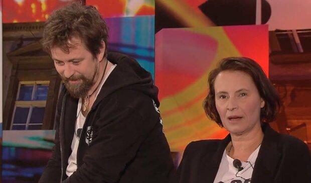 """""""V létě jsme se vzali. Asi jsme neměli nic lepšího na práci"""": Jan Dolanský a Lenka Vlasáková promluvili o utajené svatbě"""