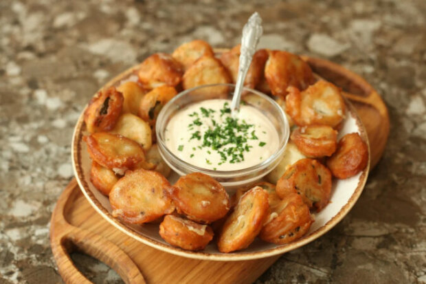 Neobvyklý a lahodný recept: Smažené okurky v těstíčku