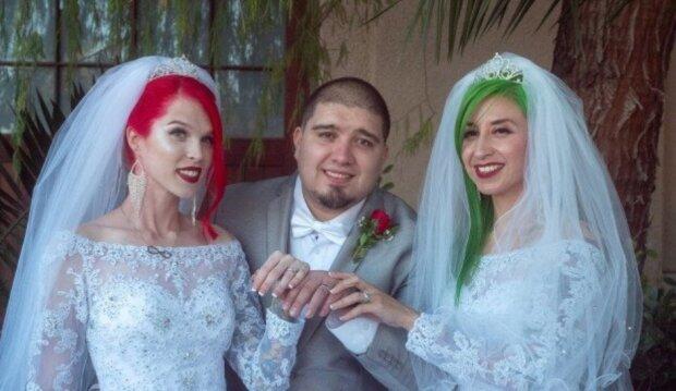 """Nestandardní svatba: dvě Američanky řekly své """"ano"""" jednomu chlapovi"""